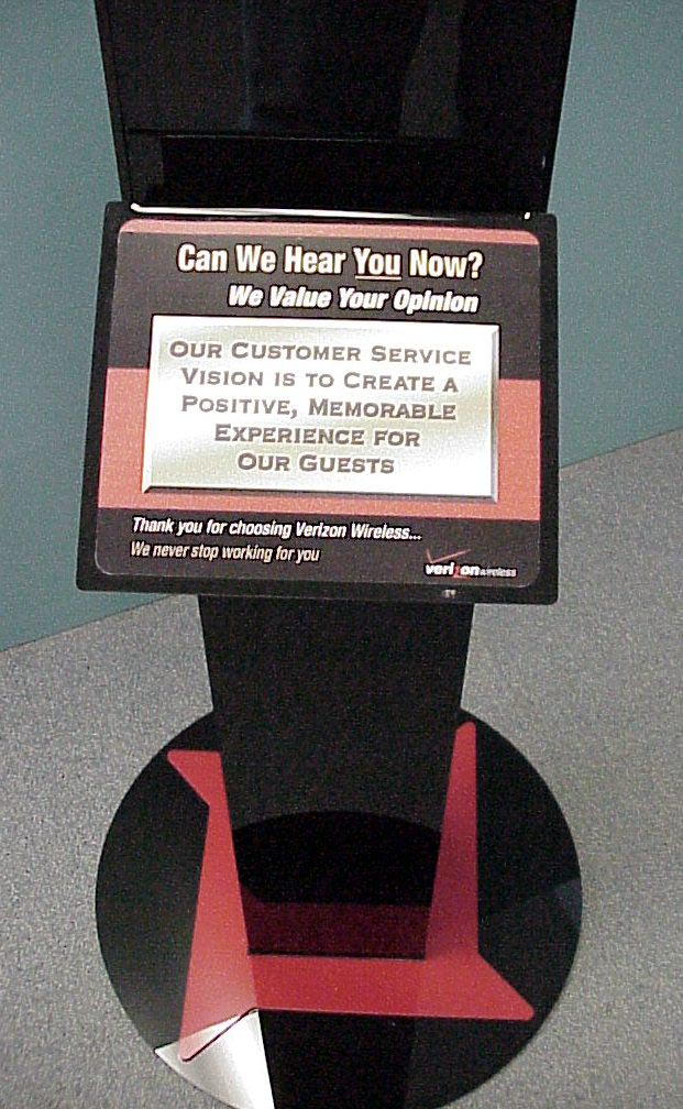 Verizon Retail Display-1