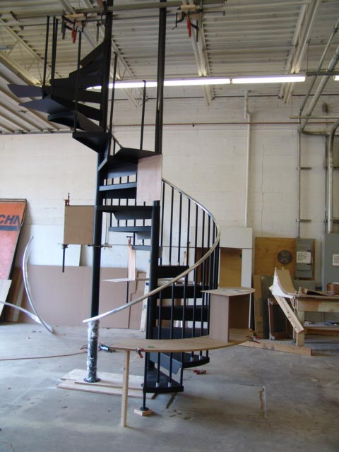 Spiral staircase for pet store